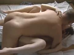 早朝から夫の朝勃ちペニスで夫婦の営みをする熟女…絶倫夫婦の性生活は凄まじい