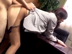 熟女OLがパンストを引き裂かれてレイプされる!強引にセックスを強要されてハメられる美熟女上司