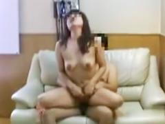 出会い系でゲットした熟女が小さなお尻をフリフリ…ラブホテルで不倫する中年男女