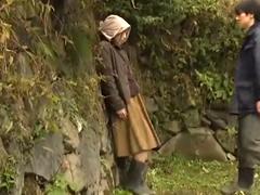 昭和の田舎で繰り返される逢引き不倫…小さな小屋で感じまくる熟女