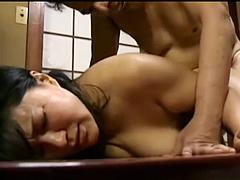 身体だけの関係を求める熟女が性欲を満たすために高齢者に抱かれて善がる