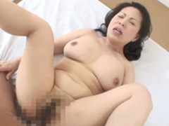 肥えた身体と垂れた爆乳!全てがエロい還暦熟女のセックス