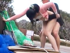 ラフな格好でゴミ捨て場に来る熟女を中出しレイプ!子持ちの主婦と野外で立ちバックして種付け