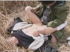農作業中の熟女を野外レイプする強姦魔!昭和の田舎で起こった白昼の惨劇