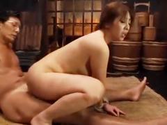 拷問セックスで熟女の膣が崩壊!拘束されながらの調教性交でマン汁や潮を垂れ流す