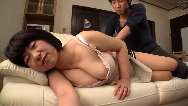 むちむち熟女の乳と尻…5