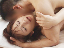 美しい大人の女性の性行為 エレガントな熟女のリアルな裸体