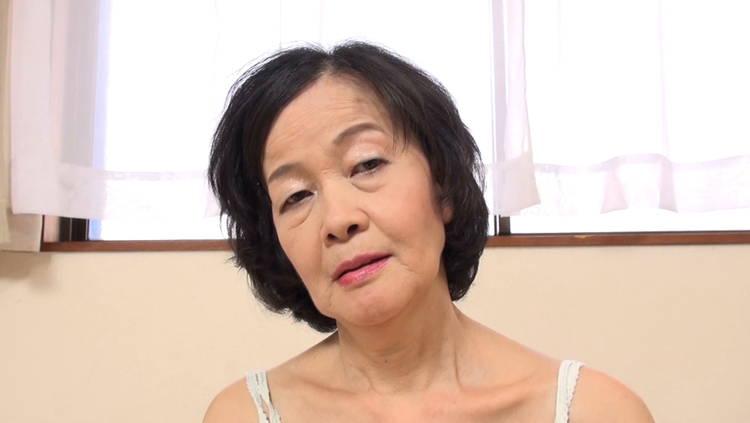 60代のおばあちゃんと中出し性交…8
