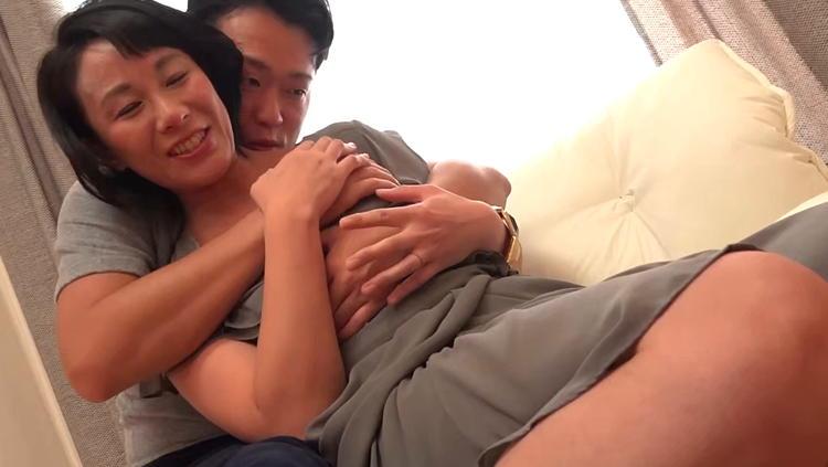 42歳の専業主婦とセックス…2